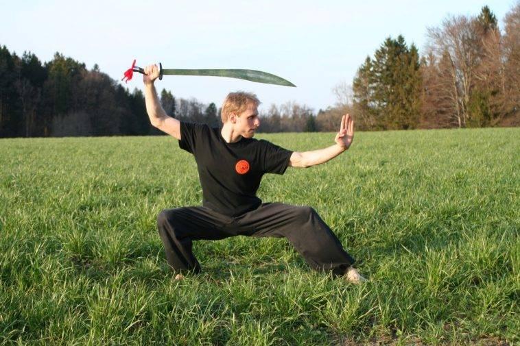 Arno Wunsch mit dem Schwert